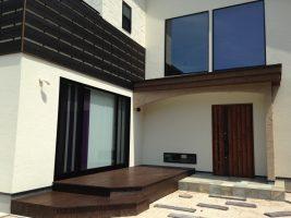 左官仕上げ壁で落ち着きのある外観:福岡・北九州のハウスメーカー株式会社イコーハウス
