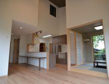 吹き抜けのLDK・和室:福岡・北九州のハウスメーカー株式会社イコーハウス