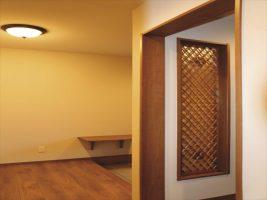 玄関ホールとウォークインシューズクローク(右手前):福岡・北九州のハウスメーカー株式会社イコーハウス