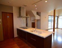 キッチンからリビング:福岡・北九州のハウスメーカー株式会社イコーハウス