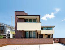北九州 新築注文住宅 大窓のハイクラスな戸建て外観 オーガニックハウスブランド|イコーハウス