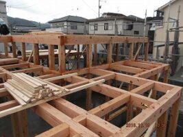 木造住宅構造棟上げ 北九州市イコーハウス施工新築