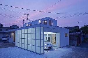 インナーガレージのデザイン住宅 北九州市イコーハウス施工新築